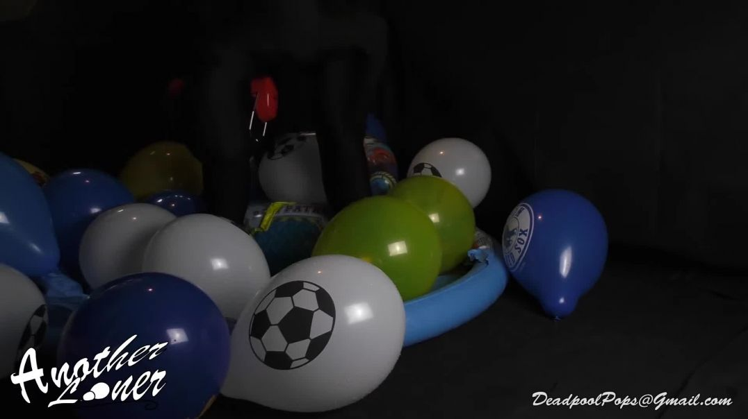Wet Sports Balloon Popping (Ses 14, Vid 1)